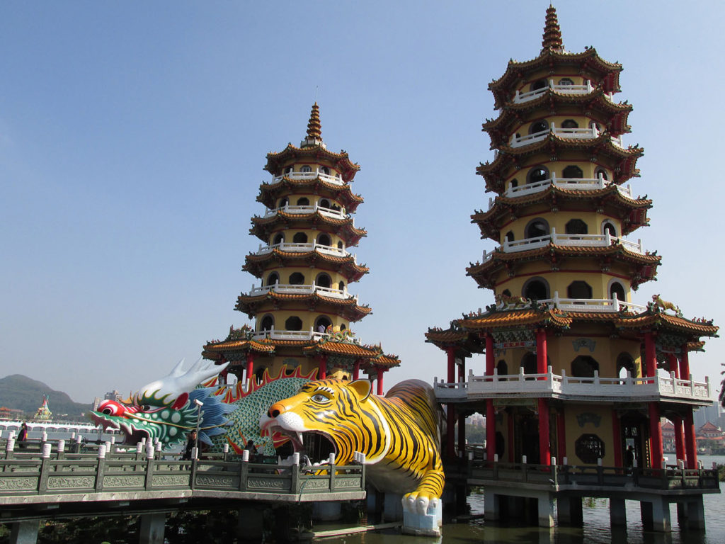 Kaohsiung itinerary - Dragon and Tiger Pagodas