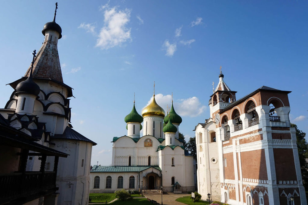 go to Vladimir and Suzdal