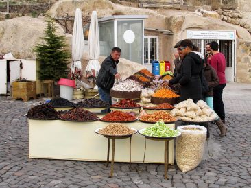 Street vendor in Uchisar