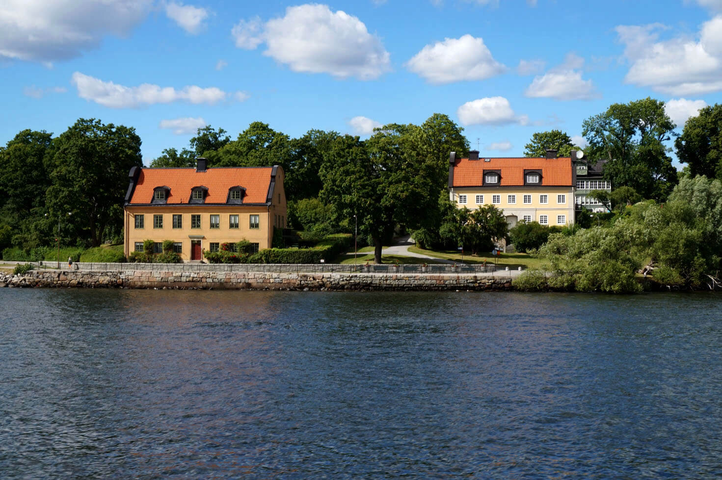 Houses close to Stcokholm
