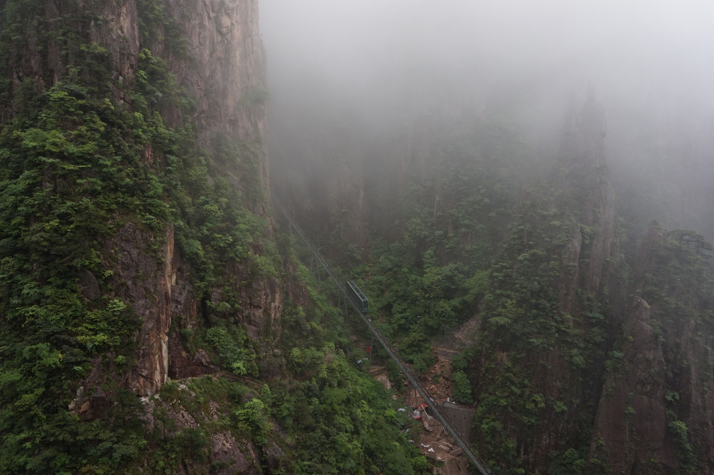 Zipline cable car in the middle of the Huangshan mountain